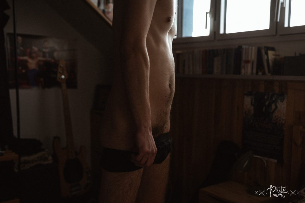 petite mort fr in bed with 180 1024x684 - Jules